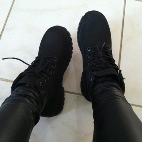 All black Timbs PRICE IS FIRM! M 5691c9dc9c6fcf1b9200cddc 2036dccde