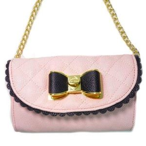 ✨Brand NEW✨ Betsey Johnson Scallop Bow Pink Bag