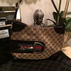 Gucci Handbags - Authentic Gucci Purse
