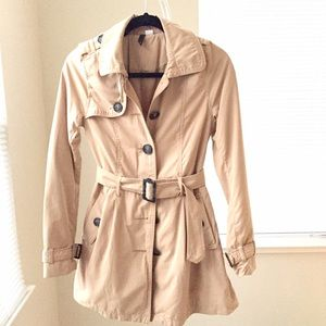 H&M Jackets & Blazers - NEW H&M khaki trench coat