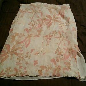 springtime skirt, with crinkle effect & side slit