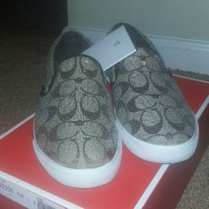 Hanes Reduced New Hanes Her Way Soft Fit Shoes