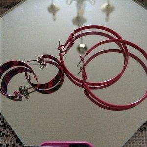 2 pair of pink pierced Fashion Earrings!