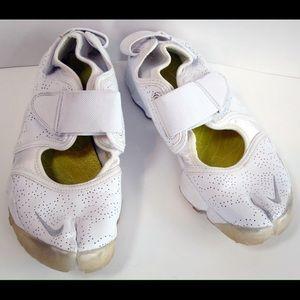 0cb4b1c316aada Nike Shoes - NIKE Women s Air Rift White Leather Split Toe Shoe