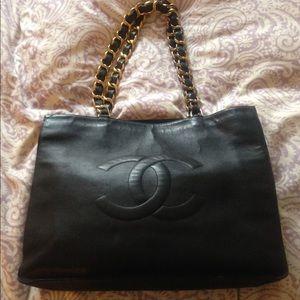 CHANEL Handbags - MAKE OFFERS! Vintage authentic Chanel jumbo bag