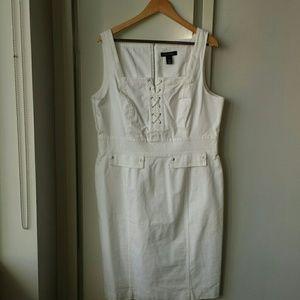 Sexy white dress!