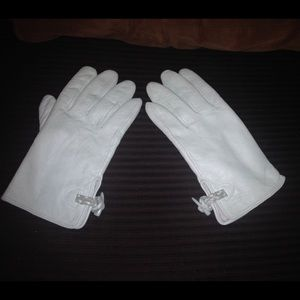 Gap 100% leather gloves