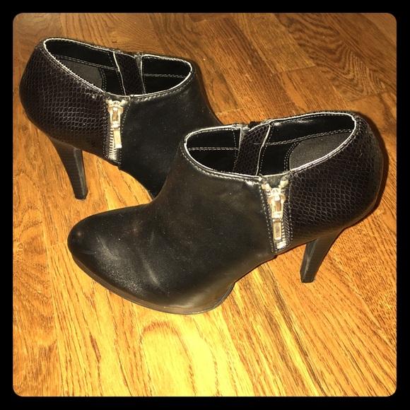 937573f3e5b Apt. 9 Shoes - Size 6.5 Apt 9 black ankle boots