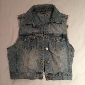 Topshop Jackets & Blazers - Topshop cropped denim vest size 4