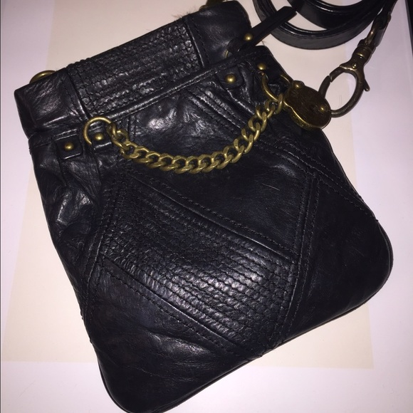 Juicy Couture Bags - Juicy Couture Black Crossbody Bag