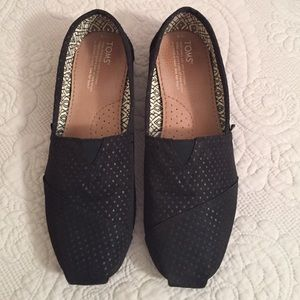 TOMS Shoes - Brand New Classic Black Toms