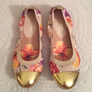 Naturalizer Shoes - Gold Toe Floral Flats