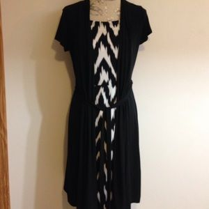 Axcess Dresses & Skirts - Axcess Black/White Chevron Belted Dress M