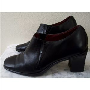 AEROSOLES Shoes - Aerosoles Grooven Up black leather 7.5 ankle boots