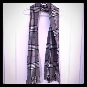 ✨Host pick✨ grey / black / red / white plaid scarf
