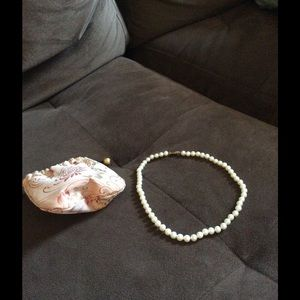 """Pearl necklace 16""""."""