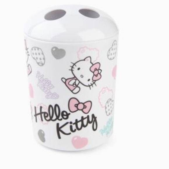 Hello kitty - Hello kitty bathroom set: Hearts from Maggie's closet on