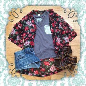 Forever 21 Jackets & Blazers - Floral Kimono
