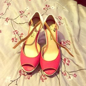 201b42f3460b Splendid Shoes - Beautiful red heels