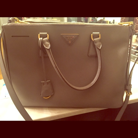 a23f2c6b0d71 PRADA Saffiano lux leather double zip tote purse. M 569420bd51e9ea7a26069546