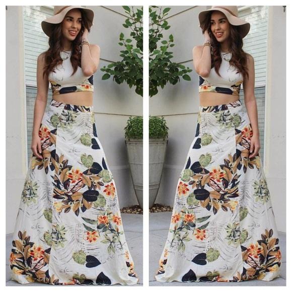 26d7978d400f Dresses   Skirts - 🎉HOST PIC🎉 FLORAL CROP TOP   MAXI SKIRT BOHO SET