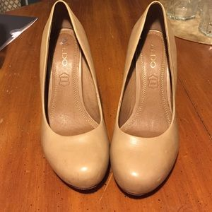 Nude pumps stiletto heels aldo