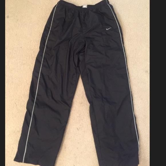 Nike Pants - Large Nike jogging warm up  windbreaker pants a4688119d00