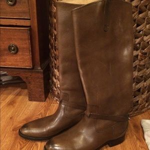 New FRYE boots size 6