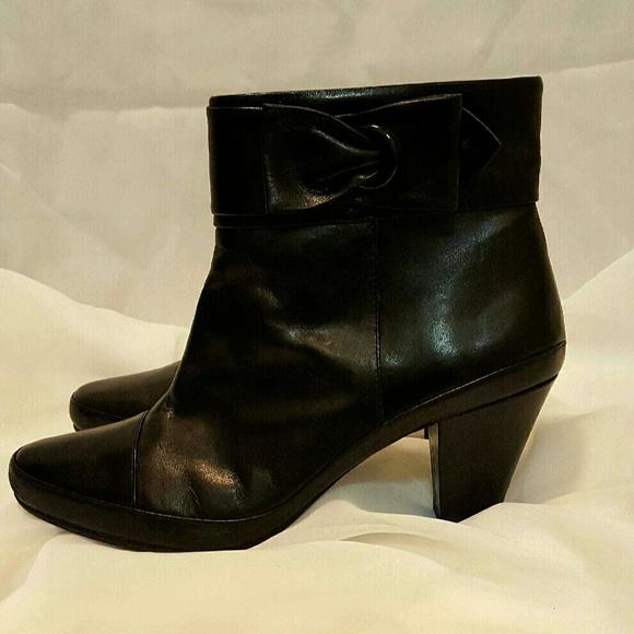 clarks clark s ankle boots black leather size 9 5 medium