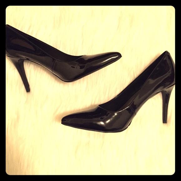00921df17b Nine West Shoes   Final Pricenwt Patent Leather Pumps   Poshmark