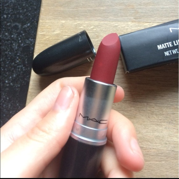 Vaak MAC Cosmetics Makeup | Diva Matte Lipstick Mac | Poshmark &AP79