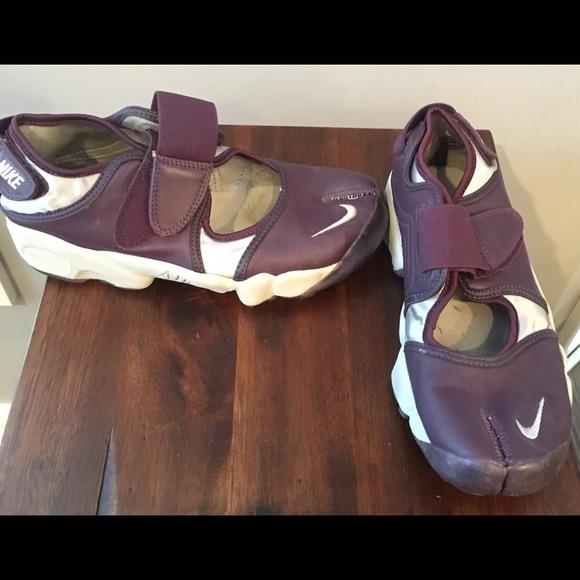 f497b2f734f97c Women s Nike air rift split toe sneakers. M 5694fe50ea3f36c8d70002c5