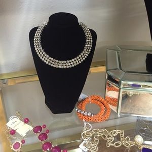 Jewelry - Gorgeous crystal necklace