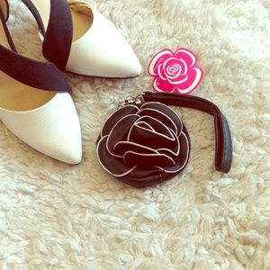 Accessories - Black rose coin purse wallet pouch wristlet white