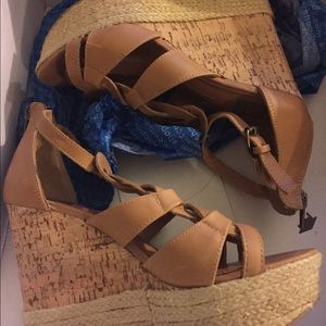Dolce Vita wedges size 6