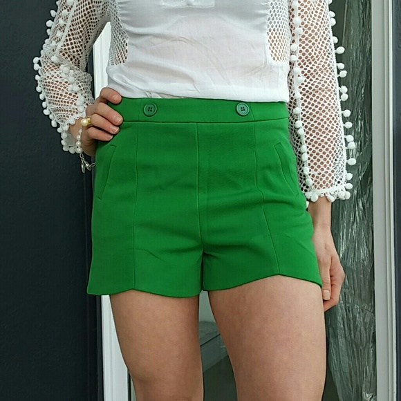 SASSY Pants - GORGEOUS GREEN SHORTS NWOT