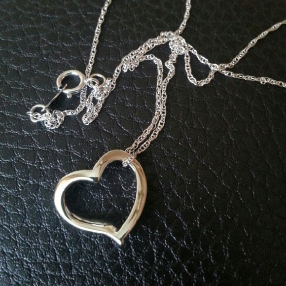 73 off helzberg diamonds jewelry sterling silver floating heart sterling silver floating heart necklace helzberg mozeypictures Image collections