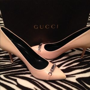 Gucci Shoes - Authentic Gucci Leather Nameplate Pump
