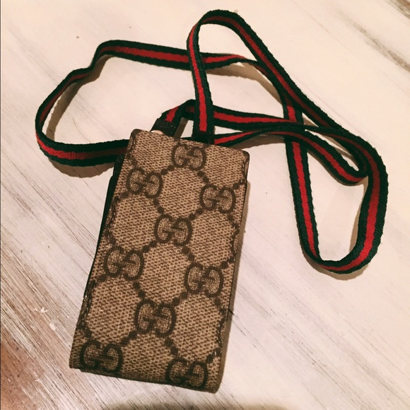 922682b38a7 Gucci Accessories - Gucci Card Holder  Authentic  !