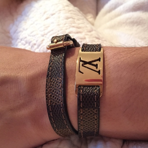 49b6a322139 💥SOLD💥 Louis Vuitton Sign It Bracelet