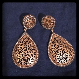 Cutout earrings with pave halo