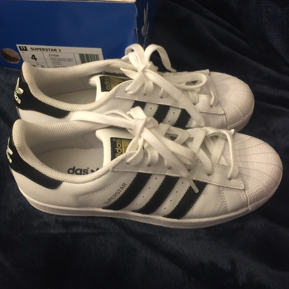 adidas superstar black and white womens size 6