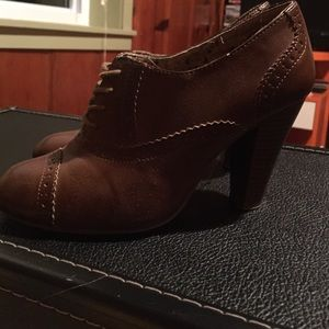 American Eagle Outfitters Shoes - Oxford style heels