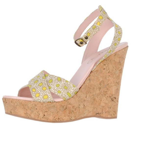 39115dcc2ce Red Valentino BRAND NEW daisy wedges
