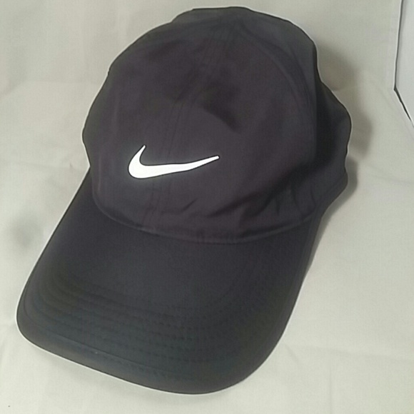 c4520e27a5cee low price aesthetic baseball cap and black image 1a4f8 49055  new zealand  ladies black nike featherlight dri fit cap hat 9f03f 5f3c6