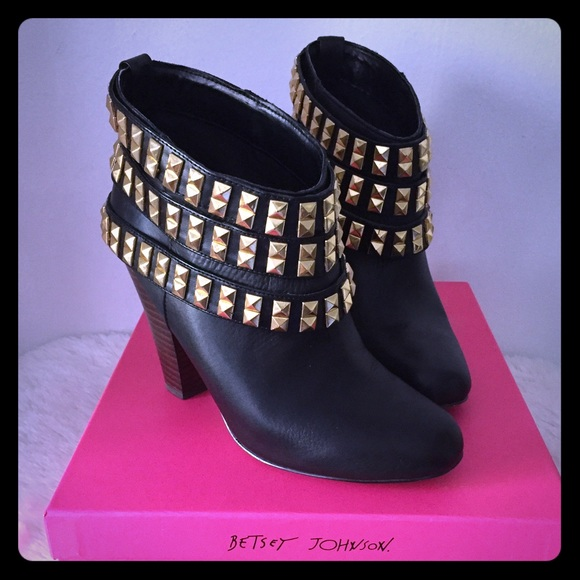 65 betsey johnson shoes studded black ankle boots