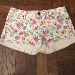 White floral printed denim shorts