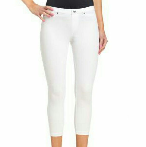 86b1ebbb5f7883 HUE Pants   Super Smooth Denim Capri Legging   Poshmark