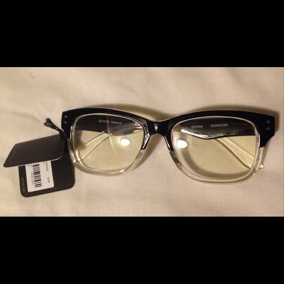 4c9858eefd2 Forever 21 Accessories - Forever 21 Nerdy Teacher glasses - Black   clear