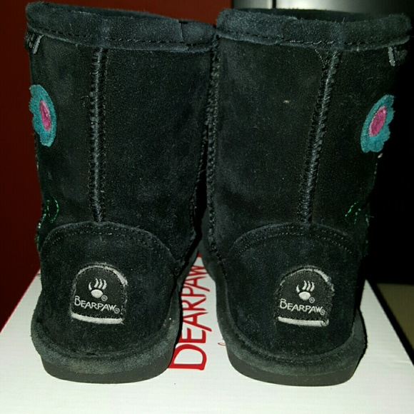 bearpaw - Bearpaw toddler boots size 9 from Evangeline's closet on ...